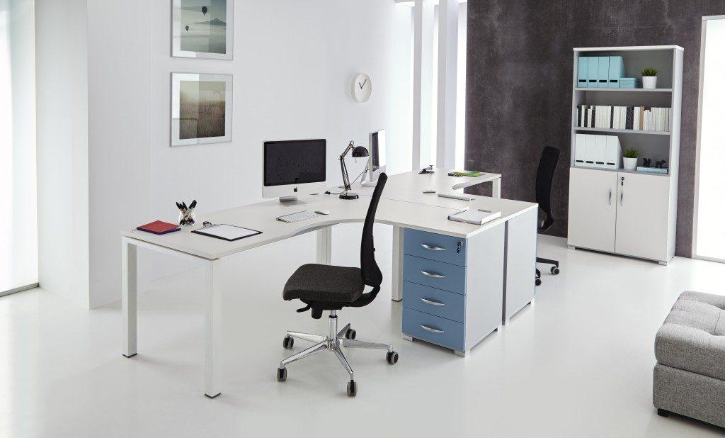Composición 12 de la línea Nova de muebles de oficina